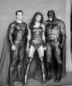 Gal Gadot with Ben Affleck and Henry Cavill -Justice League. Dc Trinity, Univers Dc, Gal Gadot Wonder Woman, The Lone Ranger, Batman Vs Superman, Dc Characters, Detective Comics, American Comics, Dc Heroes