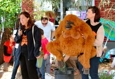Fleur and Jacquie from Melbourne Zoo, talking to kids at GumNut preschool about SOCP and orang-utans!