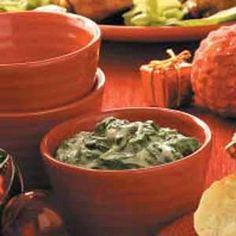 Classic Creamed Spinach Recipe -Using fresh spinach instead of frozen really enhances the flavor of this classic recipe from Ann Van Dyk of Wrightstown, Wisconsin. The hint of nutmeg makes this side dish even more appealing.