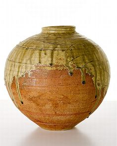Shigeo Shiga, large green pot,… - Australian Studio Ceramics, Art And Design 20/21 C Design - Shapiro Auctioneers - Antiques Reporter