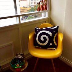 Bom final de semana 💛🖤💛 • detalhes da sala da nossa cliente de lá do RJ! ✨