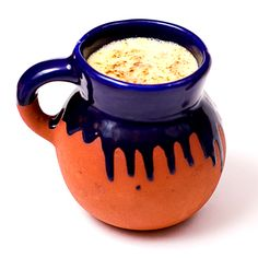 Atole is a hot and thick Mexican drink that can be flavored in many different ways. This mango atole with Indian spices turned out delicious.