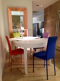 Sedie In Ecopelle Colorate.44 Fantastiche Immagini Su Sedie Ecopelle Sedie Showroom E