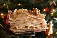 Οι τηγανίτες της Ηπείρου δεν τηγανίζονται σε λάδι ή σε τηγάνι όπως στην υπόλοιπη Ελλάδα. Ψήνονται πάνω στη μαυρόπλακα, στο τζάκι.