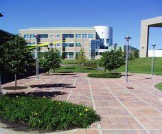 Unilock - Academic public square featuring Il Campo and Unigranite paver
