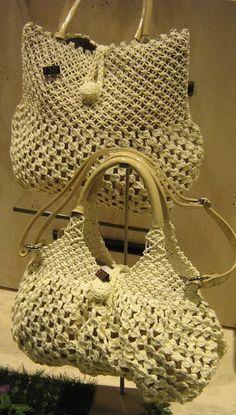 macrame purses and bags Macrame Purse, Macrame Jewelry, Bag Pattern Free, Macrame Design, Handmade Purses, Crochet Purses, Crochet Bags, Macrame Patterns, Micro Macrame