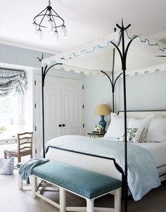 Canopy bed + Serene