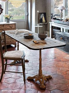 perfect table for kitchen banquette French Country Dining Chairs, French Country Kitchens, Country French, Dark Wood Kitchen Cabinets, Dark Wood Kitchens, French Decor, French Country Decorating, Country Kitchen Accessories, Distressed Wood Furniture