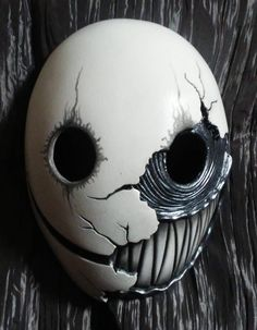 probably the most best most suited mask for smile. Except the whole teeth creepy thing. Creepy enough as it is without the teeth. Mascara Anime, Resin Casting, Arte Horror, Maquillage Halloween, Masks Art, 3d Prints, Mask Design, Form Design, Custom Paint
