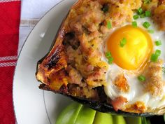 breakfast sausage & egg stuffed acorn squash