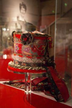 KRONEN på verket - Magasinet BUNAD Bridal Crown, Crowns, Captain Hat, Hats, Fashion, Store, Moda, Hat, La Mode