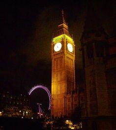 VOLTA AO MUNDO COM O PEGADAS! Em nossa série Volta ao Mundo traremos dicas de 40 países que visitamos.  O décimo sexto país é a Inglaterra. Para ver todos os países que já mostramos procure pela hashtag #voltaaomundocompegadas  Cai a noite em Londres é hora de se encantar com as luzes do Big Ben e da London Eye ou aproveitar uma das ecléticas baladas de Soho.  Para você que pretende conhecer a capital inglesa separe no mínimo 4 dias na cidade para visitar as principais atrações: - Torre de…