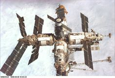 Thirty years ago, the Soviet Union launched the core module for the space station Mir. Mir was the first modular space station assembled in orbit, finally completed in Astronomy Science, Space And Astronomy, Russian Space Station, Kerbal Space Program, Nasa Space Program, Space Rocket, International Space Station, Space Photos, Space Shuttle
