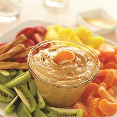 Mix together whipped peanut butter, orange marmalade, whipped topping and cinnamon for a fun new after school snack! Creamy Orange Peanut Butter Dip from Jif® is a great way to enjoy your favorite fruits. Yummy Snacks, Healthy Snacks, Yummy Food, Delicious Meals, Yummy Treats, Healthy Recipes, Whipped Peanut Butter, Peanut Butter Recipes, Dessert Dips