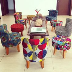African print inspired interior decor..i love it 💃 do you? . . . #interior #interiordesigner #interiordesign #africanprint #africa #african…