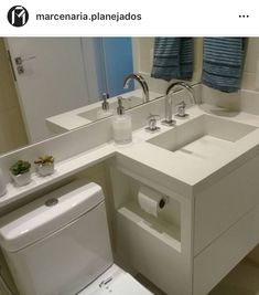 New bath shower remodel toilets ideas Bathroom Design Small, Bathroom Interior Design, Interior Design Living Room, Ideas Baños, Bathroom Showrooms, Bathroom Design Inspiration, Shower Remodel, Home Design Plans, New Homes