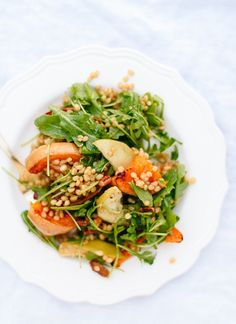 Try a hearty roasted butternut squash and apple salad for a healthy lunch!