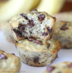 Perfect Banana Chocolate Chip Muffins! Fluffy & Moist! *best muffins I've made on pinterest*