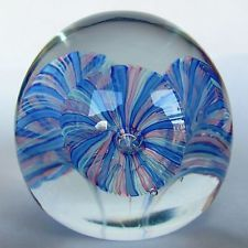 OVAL VINTAGE PAPERWEIGHT WITH THREE BLUE AND PINK SEA ANEMONES DESIGN