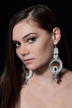 Sutasz-Anka: Moonchild- wedding earrings  Model: Ewa Urbańczyk  Photo: Weronika Sadlik