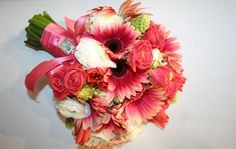 Pix For > Coral Wedding Flowers