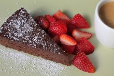 Intense and Silky Flourless Chocolate Cake from Cook's Illustrated Brownie Recipes, Cookie Recipes, Dessert Recipes, Desserts, B Recipe, Flourless Chocolate Cakes, No Bake Treats, Cupcake Cakes, Cupcakes