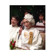 . お色直しは白無垢✨ . 真っ白の白無垢に してよかった . ヘッドドレスは 百合と迷ったけど 胡蝶蘭にしたよ✌️ . 職人さんの手作りの 番傘もお気に入り⛱ . . . #wedding#bridal#weddingdress#結婚式#ウェディング#ブライダル#卒花嫁#卒花嫁レポ#関西#九州#marry#marryxoxo #ハナコレストーリー#fanyレポ#ゼクシィ#2017婚#20171104#ありがとう#ジェームス邸#べっぴんさんロケ地#kobe#神戸#白無垢#ノバレーゼ#胡蝶蘭ヘア#お色直し#お色直し入場#お色直しヘア