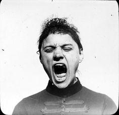 Albert Londe, photograph approximating a typical outburst of hysterical materialism Paula Modersohn Becker, Severe Mental Illness, Insane Asylum, Gender Roles, Portraits, Museum, Paul Gauguin, Coping Mechanisms, Portrait Photo