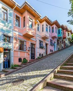 Formerly Istanbul's Greek Orthodox and Jewish neighborhoods, today Fener and Balat are known for their beautiful old houses and hidden… Travel Pictures, Travel Photos, Destination Voyage, Photos Voyages, Holiday Travel, Beach Holiday, Cool Places To Visit, Old Houses, The Good Place