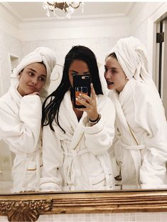 VD is your go-to loungewear brand- and even better, the loungewear has fun phrases on it so you can let the world know you rather be eating take-out sushi and drinking wine. Photos Bff, Best Friend Photos, Best Friend Goals, Cute Photos, Bff Pics, Cute Friends, Best Friends, Besties, Photographie Indie