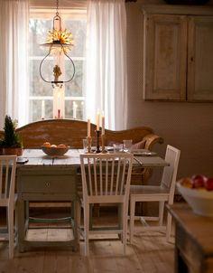 Clara's Christmas archive - Page 6 of 21 - WonderfulClara Scandinavian Cottage, Swedish Cottage, Scandinavian Interior, Cottage Style, Scandinavian Style, Scandinavian Christmas, Modern Christmas, Kitchen Stories, Kitchen Cabinets Decor