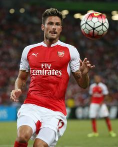 Olivier Giroud aka the most attractive football player EVER