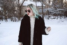 Thelma Romu: Oversize Vintage Inspired Metal Round Circle Sunglasses 8370