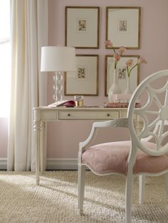 sweet & chic desk, on the hunt to find one!!