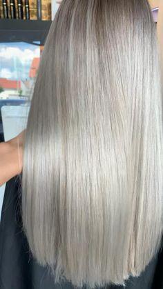 Cream Blonde Hair, Blonde Hair Shades, Blonde Hair Looks, Ice Hair, Platinum Hair Color, Bob Haircut For Fine Hair, Real Hair Wigs, Hair Color And Cut, Headband Hairstyles