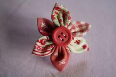 DIY : fabriquer une bague-fleur en tissu - Journal des Femmes Décoration