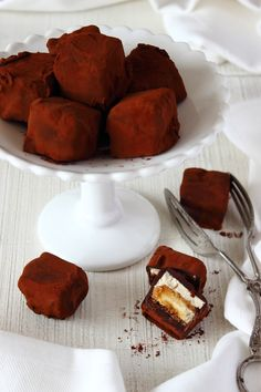 Tiramisu Truffles - Delectable little treats you (if properly wrapped / covered) can freeze, so you always have something tasty on hand and can catch one there when you feel like it.