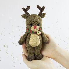 Amigurumi Cuddle Me Reindeer - Free crochet pattern by Amigurumi Today