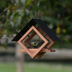The Architect Bird Feeder - cup Seed, Worm, Nut, and Fruit Capacity - madáretetők - Vogelhaus Wood Bird Feeder, Bird House Feeder, Hanging Bird Feeders, Modern Bird Feeders, Garden Bird Feeders, Wood Projects, Woodworking Projects, Woodworking Plans, Popular Woodworking