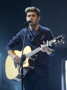 Niall today performing 'This Town' on the BBC Radio 1 Teen Awards
