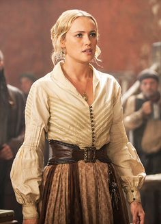 Black Sails' Hannah New and Jessica Parker Kennedy on what to expect as Season 2 continues and Eleanor and Max face new challenges. Larp, Noter Dame, Hannah New, Jessica Parker Kennedy, Donia, Female Character Inspiration, Black Sails, High Fantasy, Medieval Fantasy