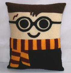 Harry Potter Mini Felt Cushion by FatSquirrelCraft on Etsy Harry Potter Ron Weasley, Harry Potter Pillow, Harry Potter Toys, Hermione Granger, Felt Cushion, Vintage Marketplace, Kitsch, Mini, Cushions
