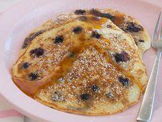 blueberry and rice pancakes Rice Pancakes, Banana Pancakes, Best Pancake Recipe, Chicken Tenderloins, Kaffir Lime, Fish Sauce, Lemon Grass, Blueberry, Bacon
