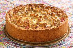 "Carolines blog: Rabarbertaart van ""tante Liesbeth"" Pie Cake, No Bake Cake, Cake Cookies, Cupcake Cakes, Belgian Food, Sweet Pie, Desert Recipes, Cakes And More, Party Cakes"