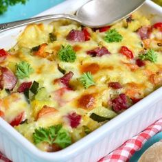 Summer is finally here! To celebrate we have the perfect summer vegetable Au gratin recipe for you. This makes an excellent side dish or can be a meal on its own. Healthy Living Recipes, Whole Food Recipes, Vegetarian Recipes, Healthy Food, Chorizo, Creative Snacks, Romanian Food, Health Shop, Nutrition