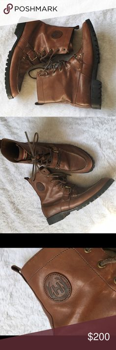 Men's Hunter leather boots Leather boots. Very minor speckled marks - I think it's paint? Might be able to come off but I haven't tried cleaning leather enough to try - I'm afraid I would make it worse 😳 otherwise I good condition!! Hunter Shoes Boots
