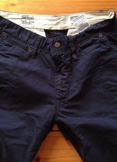 Kup mój przedmiot na #vintedpl http://www.vinted.pl/odziez-meska/dzinsy/10218538-granatowe-spodnie-levis-w-idealnym-stanie