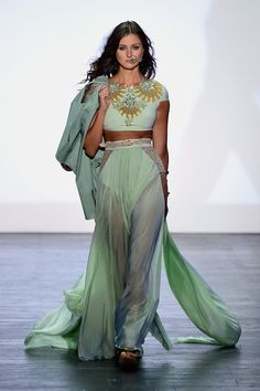 Highlights from New York Fashion Week: The Shows - Designer's Collection. Here are some of the looks from last season as we anticipate covering next seaso X Project, Fashion Shows 2015, Project Runway, Western Dresses, Designer Gowns, Spring Summer 2015, Runway Fashion, Women's Fashion, Female Fashion