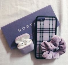 ❥ριntєrєѕt: үαsмιη к.ღ ❁vsco:theyasmindoll❁, Cute Cases, Cute Phone Cases, Iphone Phone Cases, Lavender Aesthetic, Purple Aesthetic, Makeup Aesthetic, Telephone Vintage, Braces Colors, Accessoires Iphone