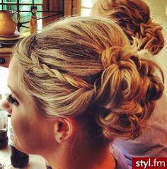 Fryzury Upięcie włosy: Fryzury Długie Na co dzień Kręcone Upięcie - CzEkOlAdKa2010 - 2077012